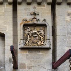 Chateau_de_La_Rochepot_02.jpg