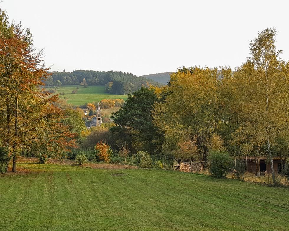 2 Tuin-uitzicht-Vencimont-Chalet (3).jpg