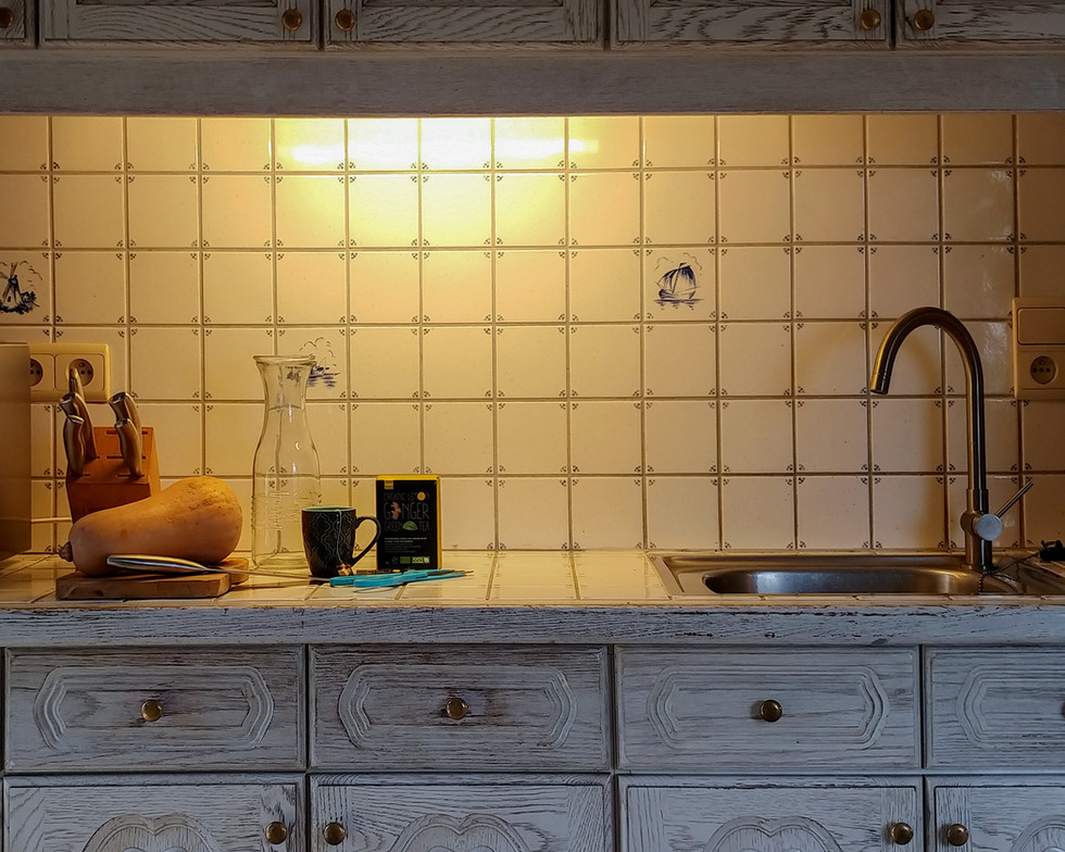 3 Kitchen (2).jpg
