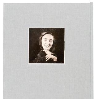 ביוגרפיה בשילוב טקסט ותמונות