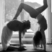 I am obsessed with handstands again thes