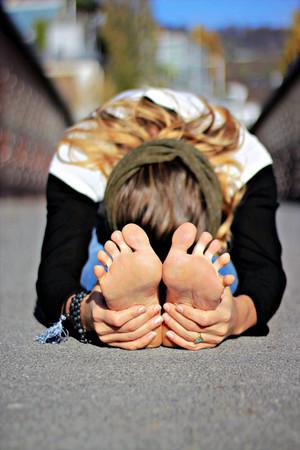 Yoga-Snack - FORWARD FOLD