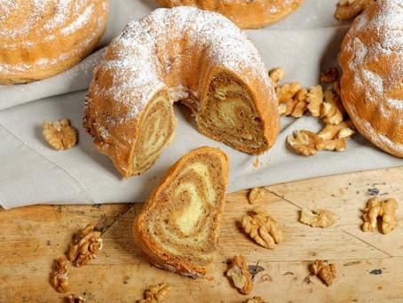 Медовый кекс с орехами и финиками