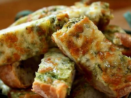 Багет с   сыром и зеленью