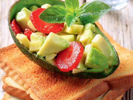 Закуска   из авокадо с базиликом и сметанным соусом