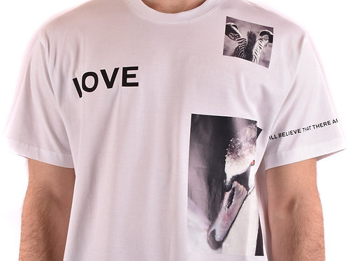 Burberry Men T-shirt.