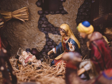 Adventus: Creating Family Traditions to Celebrate Advent