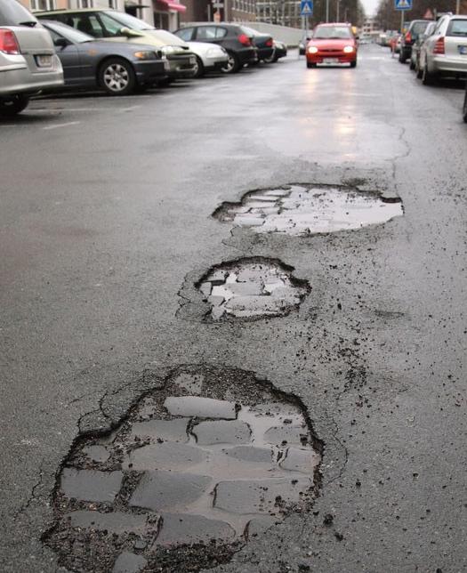 pothole pic.png