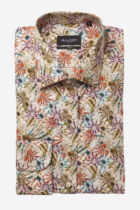 Sand shirt collection is crafted in Europe