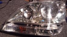 Ремонт трещины на фаре Toyota Harrier