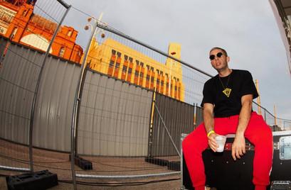 Example wearing Tatlim on tour