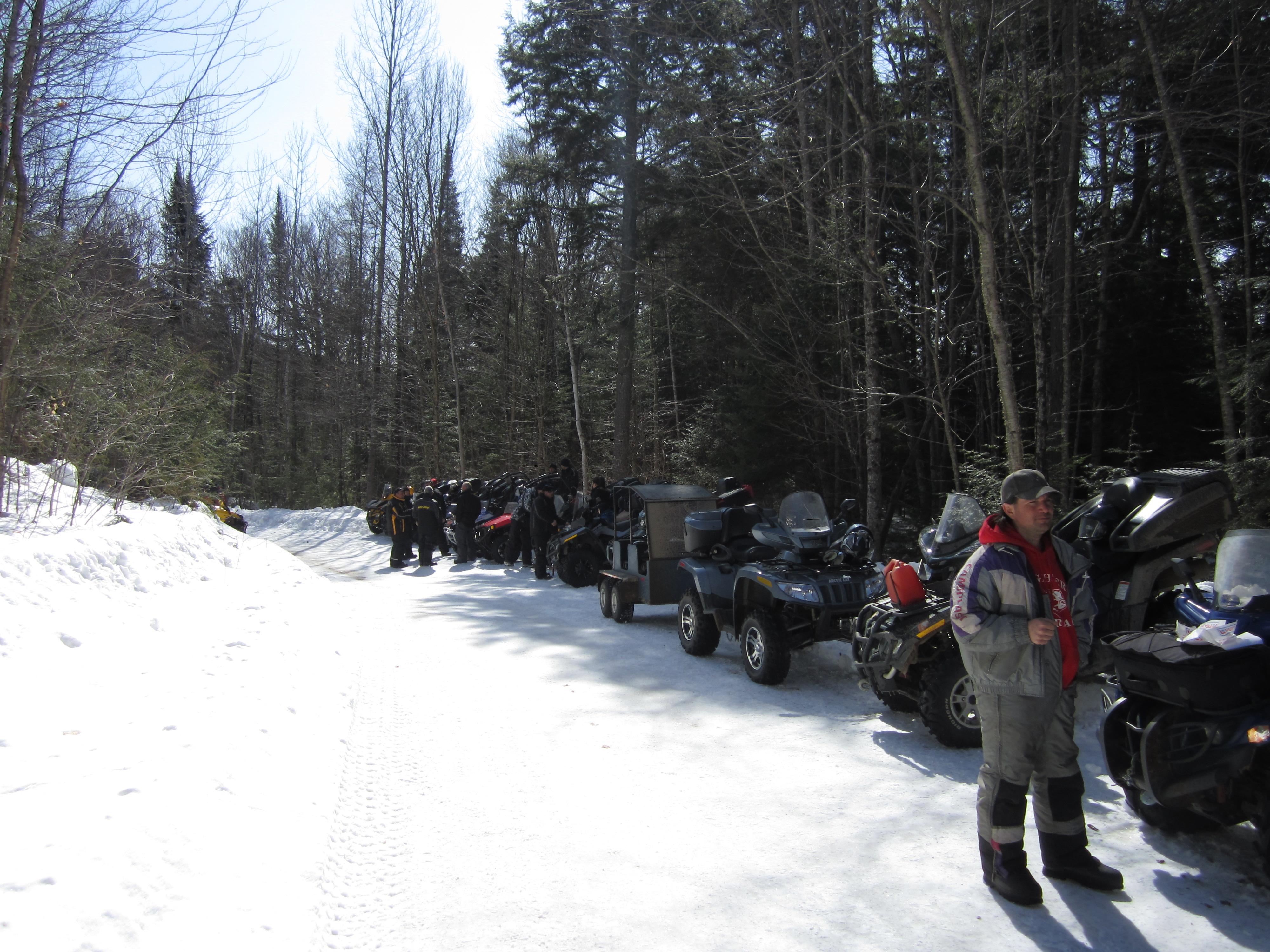 Expédition groupe de VTT hiver