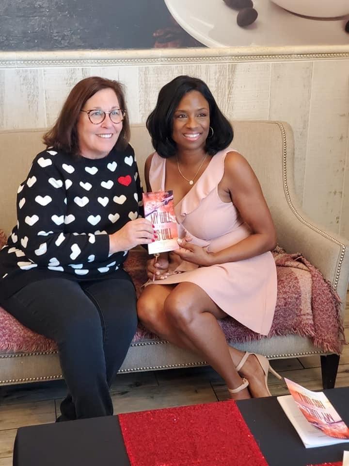 Pamela Widom meets Author Stefanie Austin