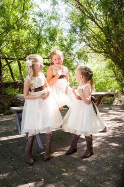 candid flowergirls
