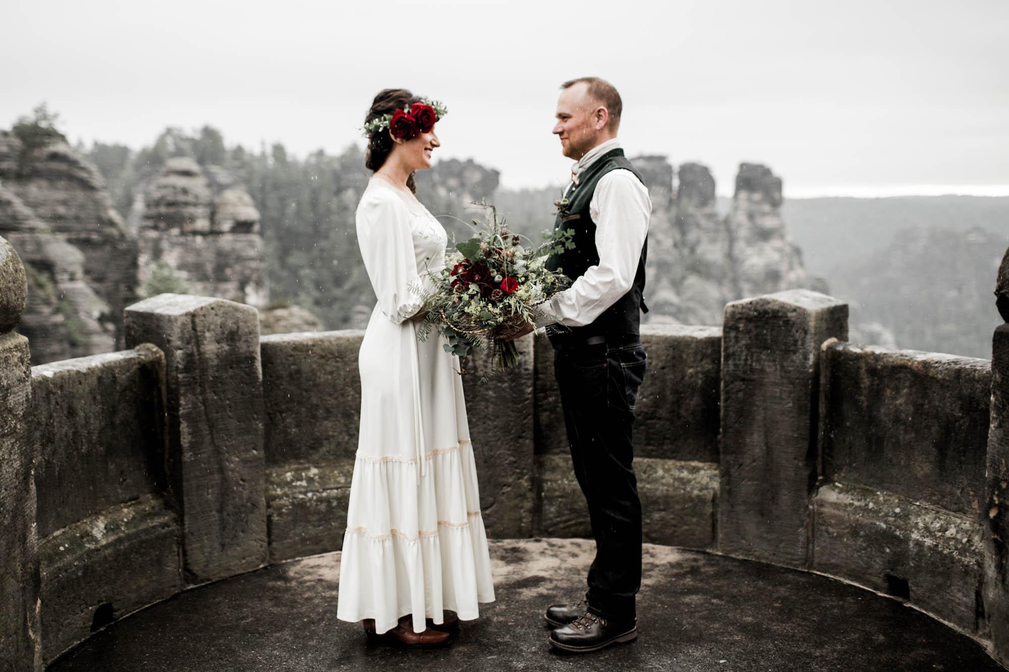 Sunrise wedding on Bastei bridge