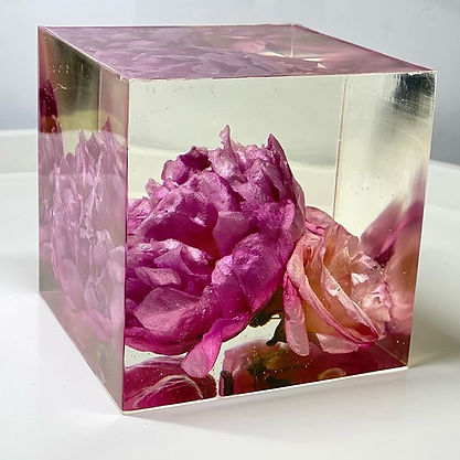 Our first cube._Peony & Eustomas_10cm Cu