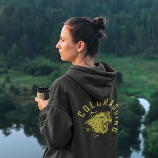 Coloradoing-hoodie-mockup-of-a-woman-admir