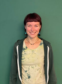 Eva-grüner-Hintergrund.jpg