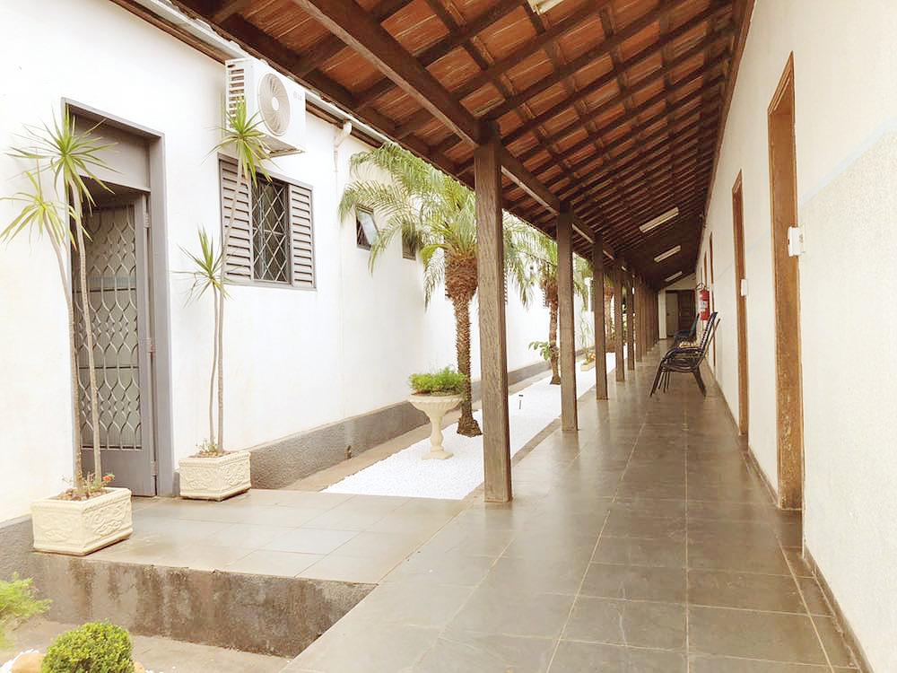 Jardim + Corredor Externo 02
