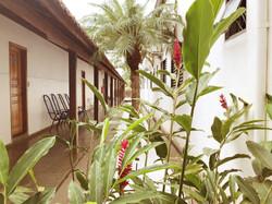 Jardim e Corredor Externo
