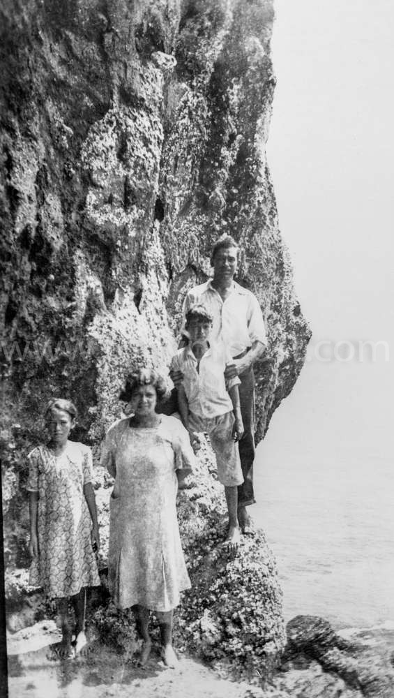 1937 Charlotta  Warren, Mrs. Emily Myrtle Warren, Robinson Wiles Warren, Alwyn Warren at the entrance to Christian's Cave