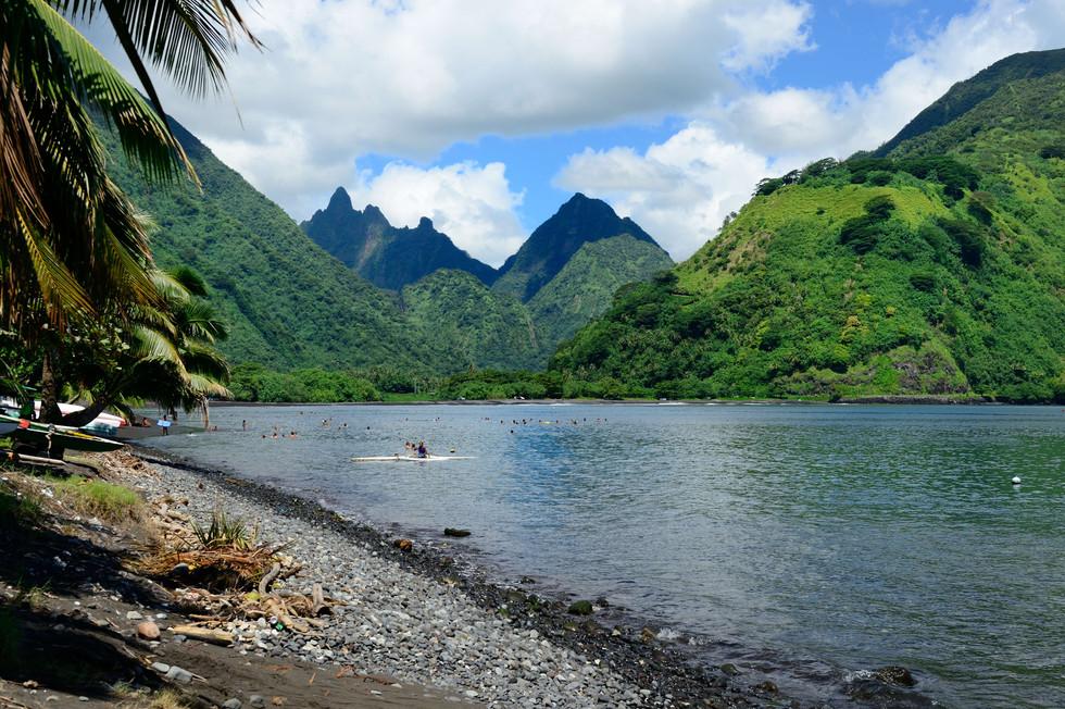 Tautira, Tahiti from the same location 2012.jpg