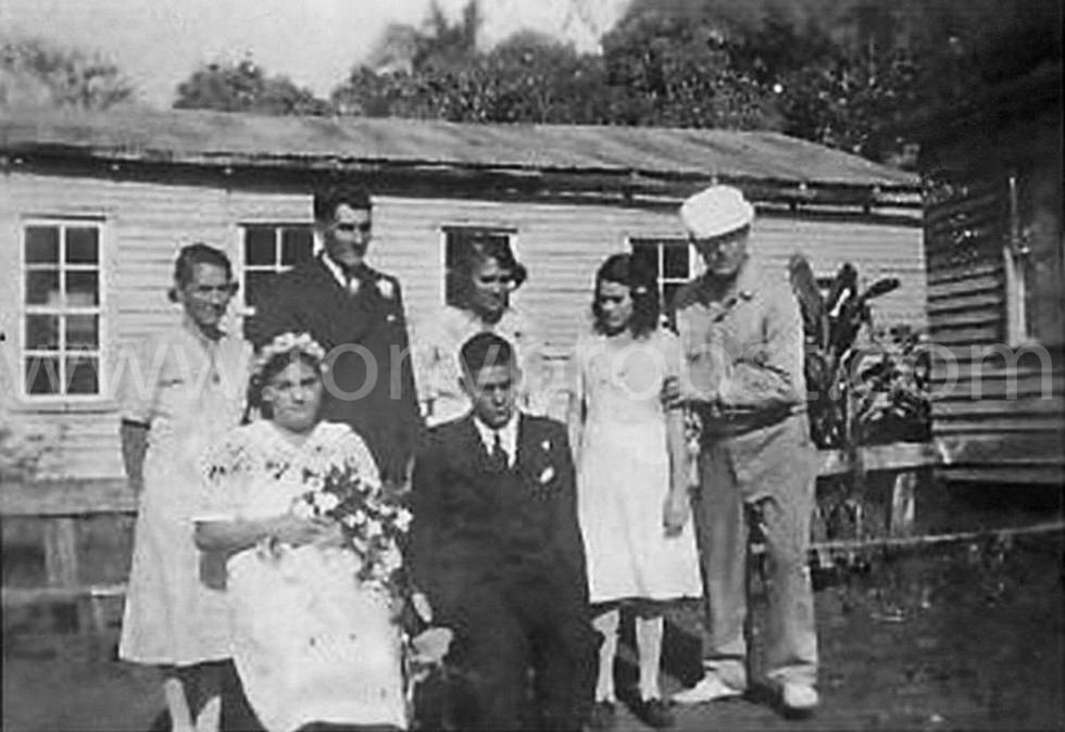 1930 Fern, Wales Wedding. Dobrey, Chrissy, Fern Charlotte. Front Marjorie, Wales