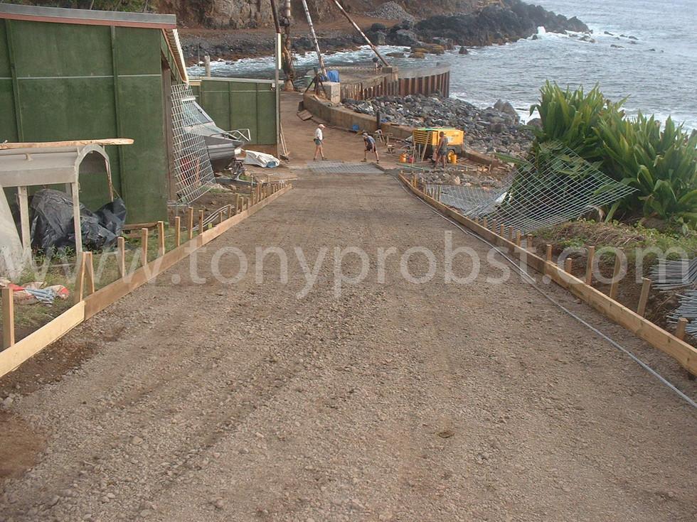2005 Aug 6 Preparing for cement