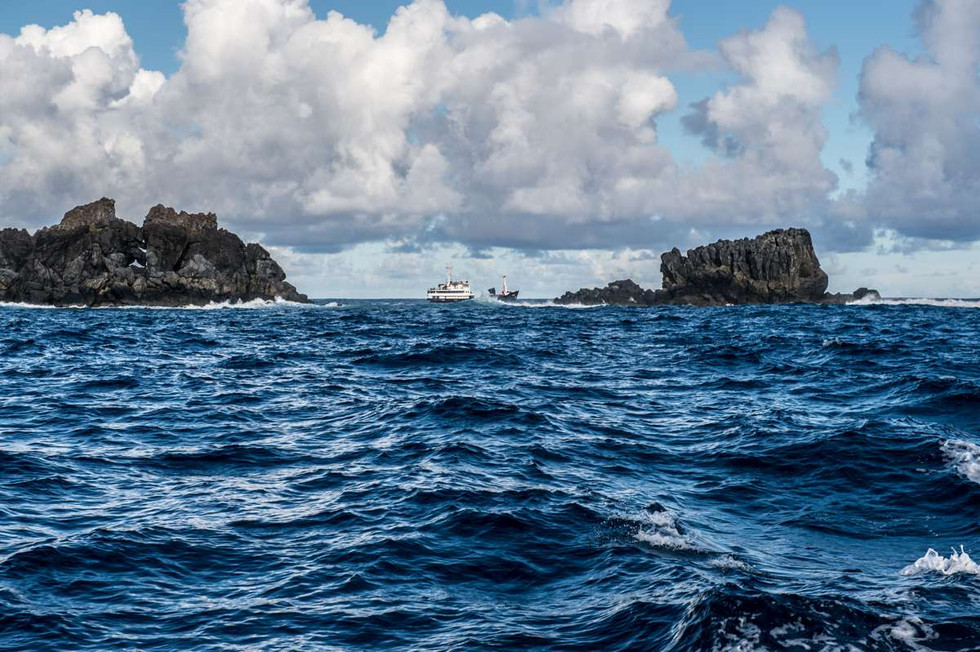 The Claymore 2 anchored off Pitcairn island