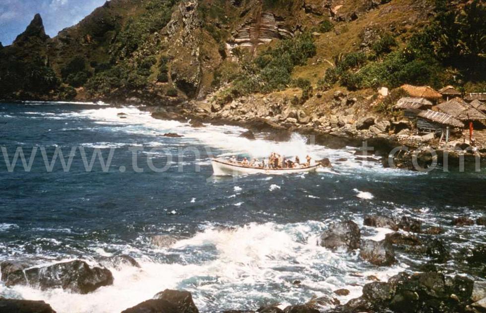 1958 Longboat leaving Bounty Bay