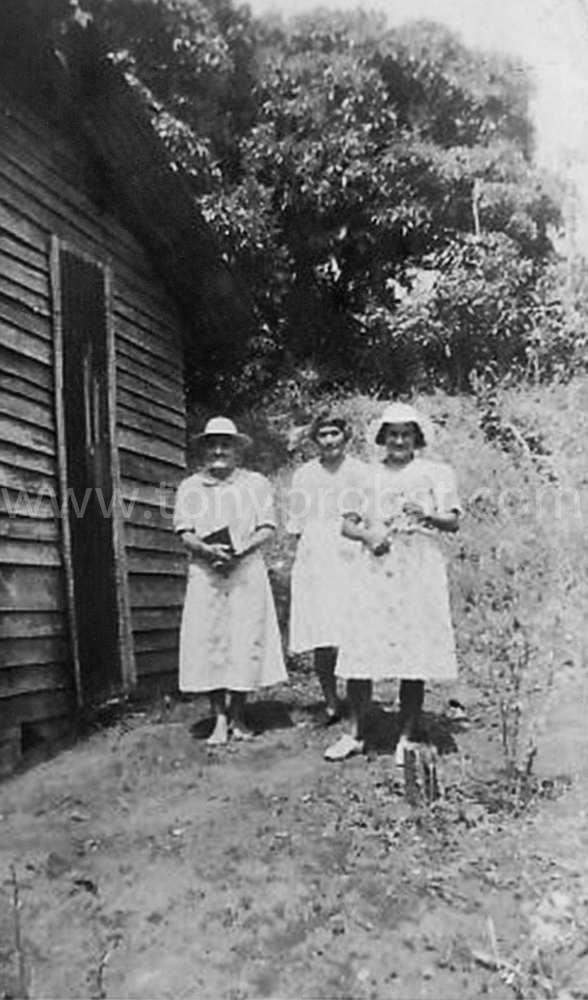 1927 Alice 'lily' Butler, Nellie 'Gena' Butler, Lillian.