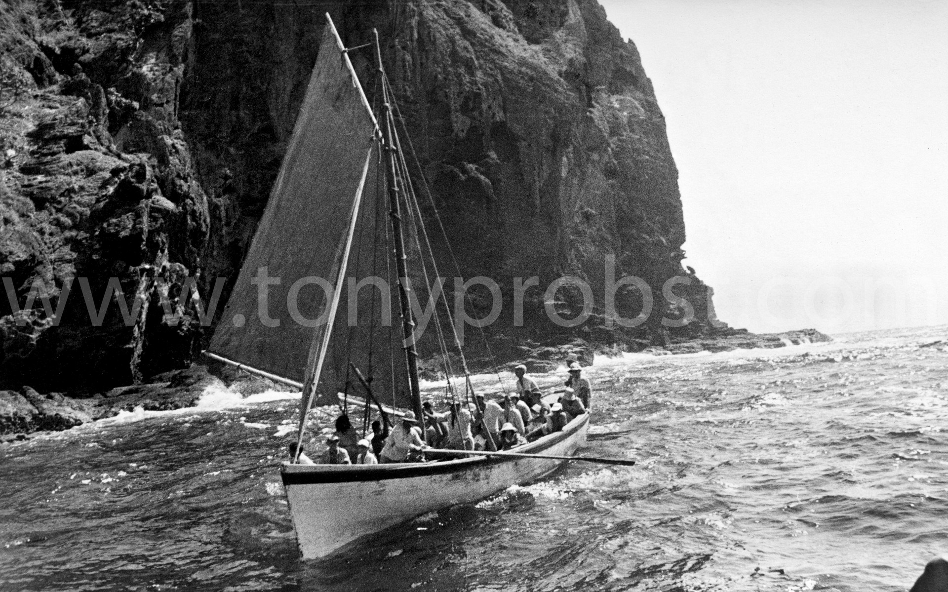 1964 Longboat under sail