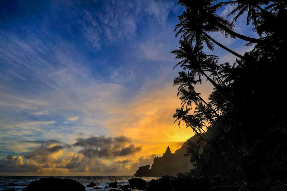 Sunrise over Bounty Bay