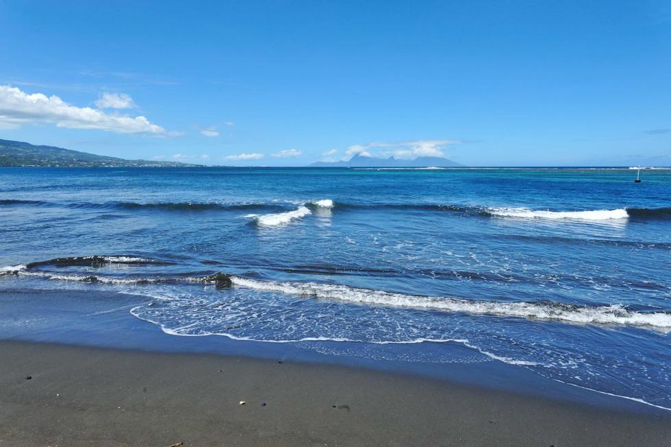 Matavai Bay, Tahiti looking at Moorea..jpg