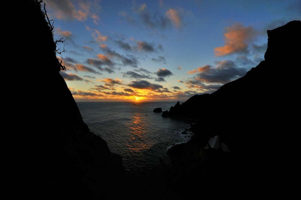 Bounty Bay. Sunrise from the Hill of Difficulty