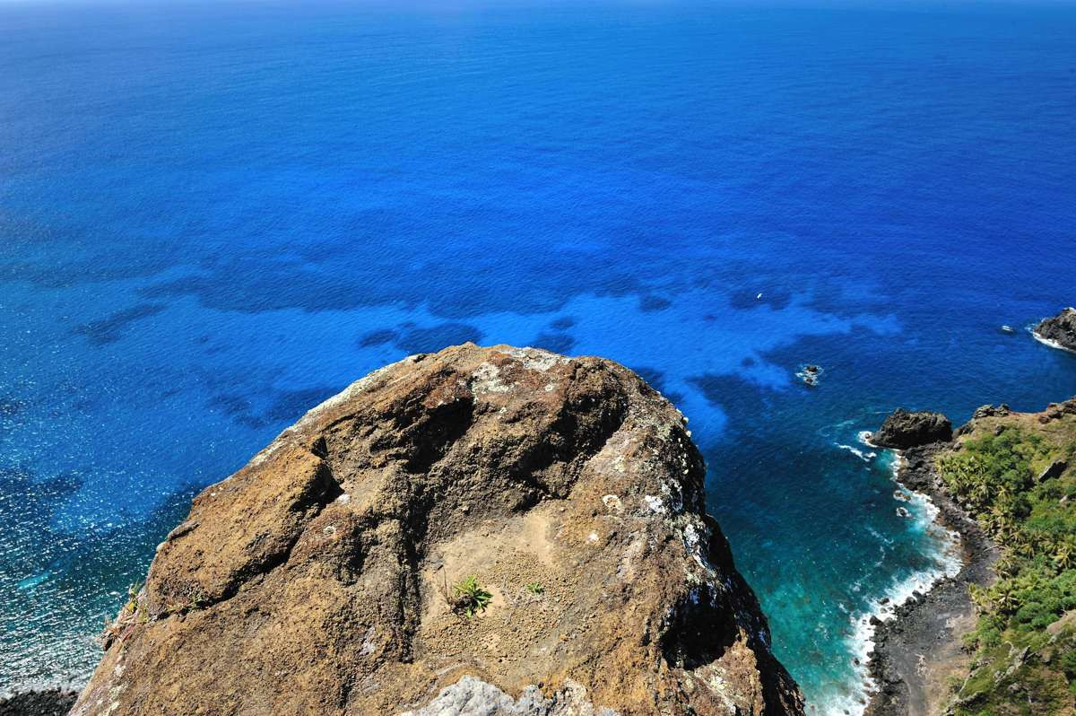 The edge of the world on Pitcairn island