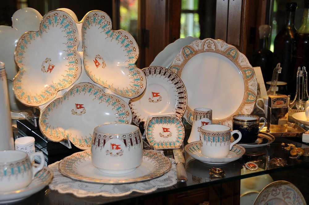 Cup & Saucer Spode pattern R4332 on display in Tony Probst's store, Audio Video Integration San Rafael, CA