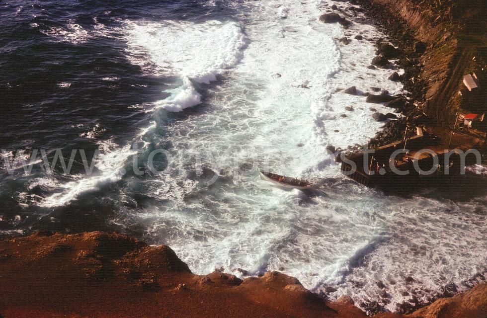 1996 Longboat leaving Bounty Bay through the surf