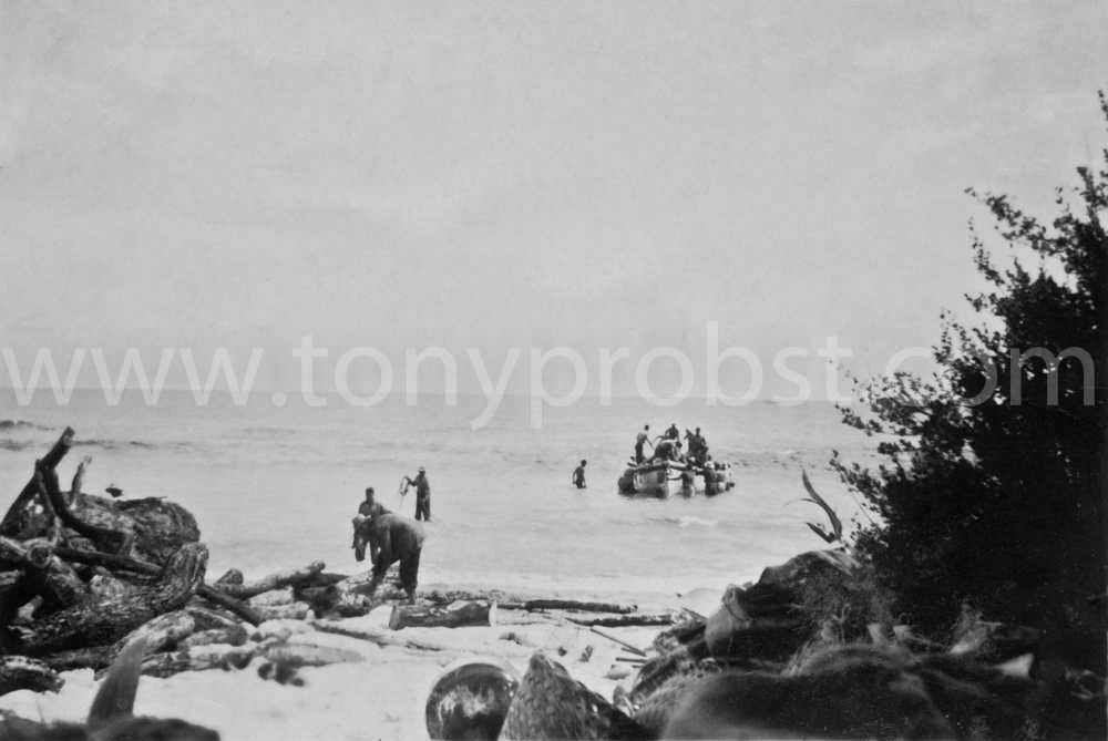 1957 Getting Miro wood on Henderson