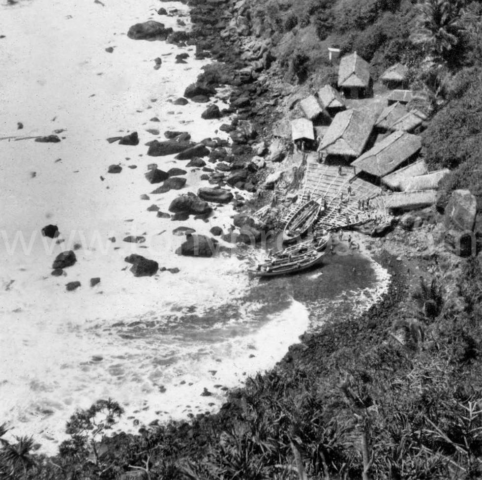 1939 Good view of Dan before falling