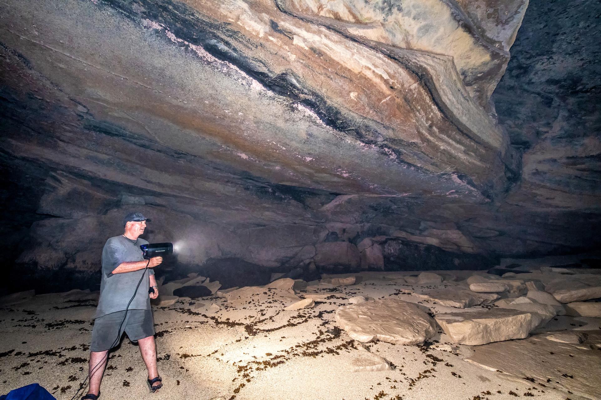 Gudgeon cave Pitcairn Island