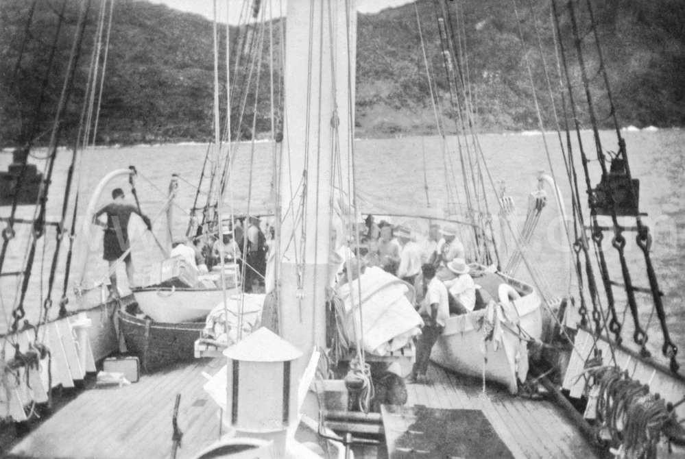 1957 Feb Yankee returning from Henderson