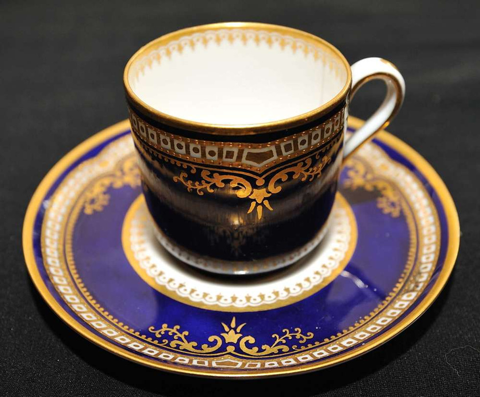 Spode pattern R4332, Rd.No.580303 the most prestigious and rarest Titanic china in Cobalt Blue and 24k gold trim