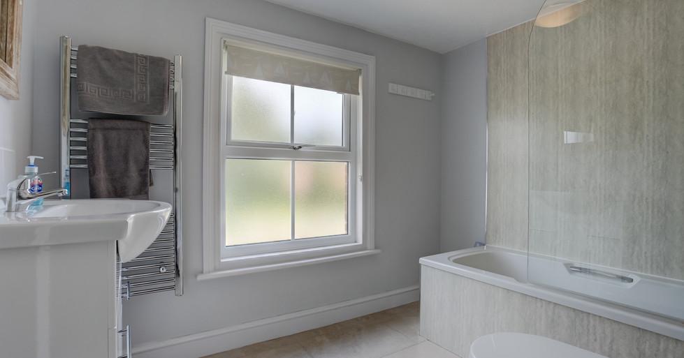 riverside-master-bathroon.jpg
