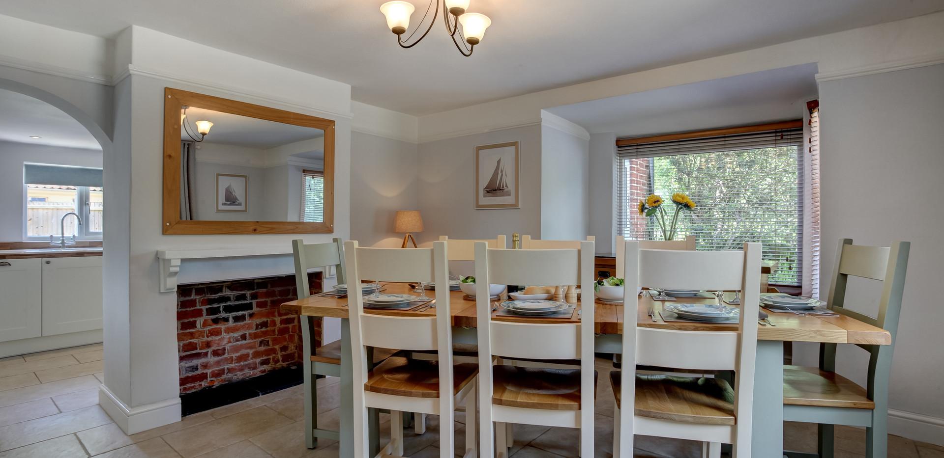 Riverside-dining-room.jpg