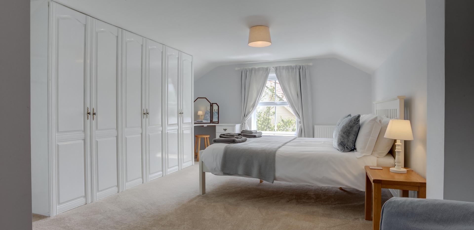 riverside-main-bedroom.jpg