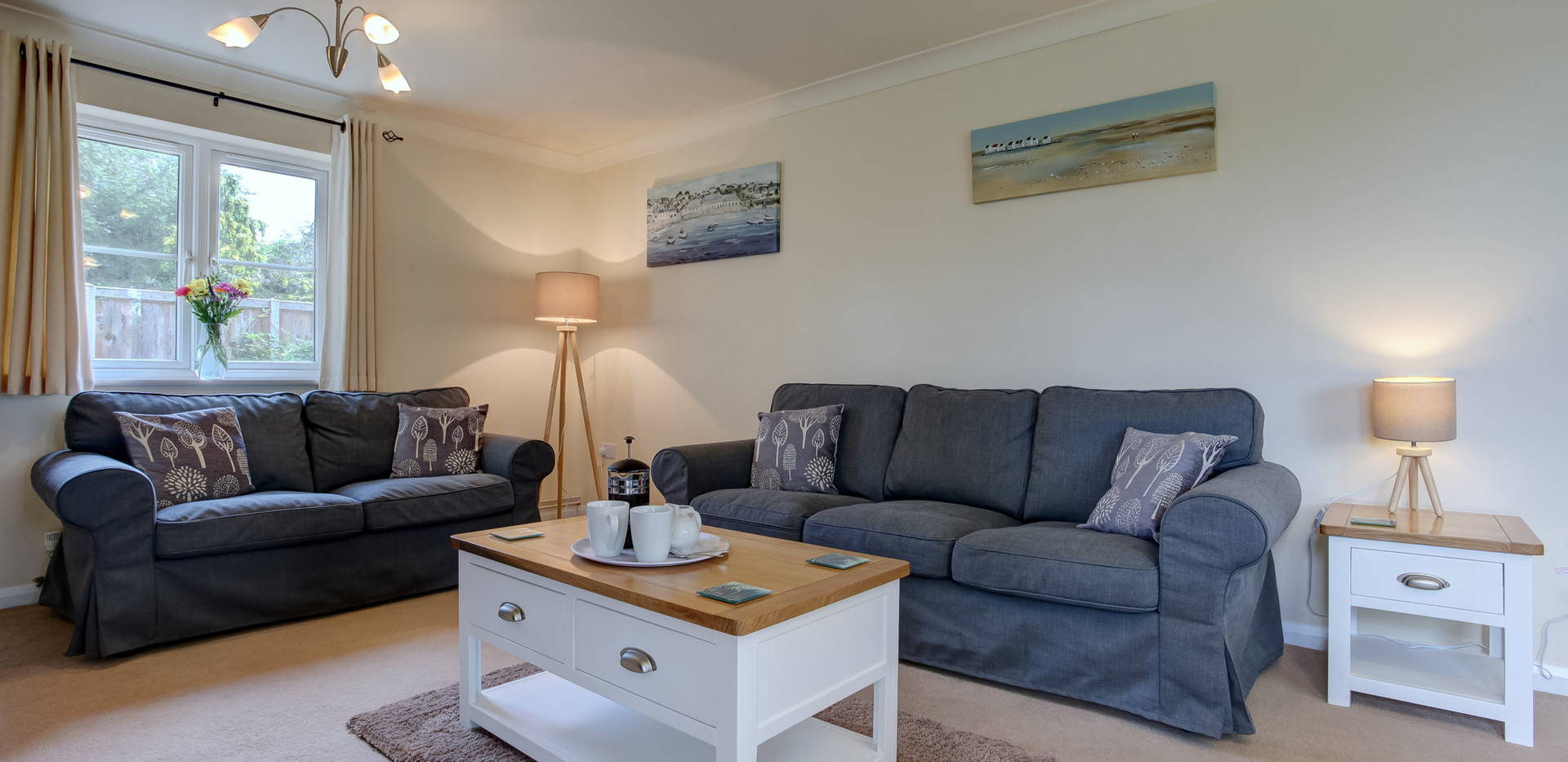teasel-livingroom-2.jpg
