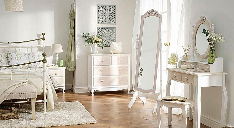 Juliette Bedroom