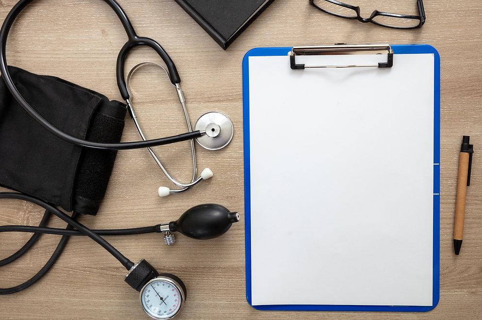 medical-stethoscope-and-sphygmomanometer