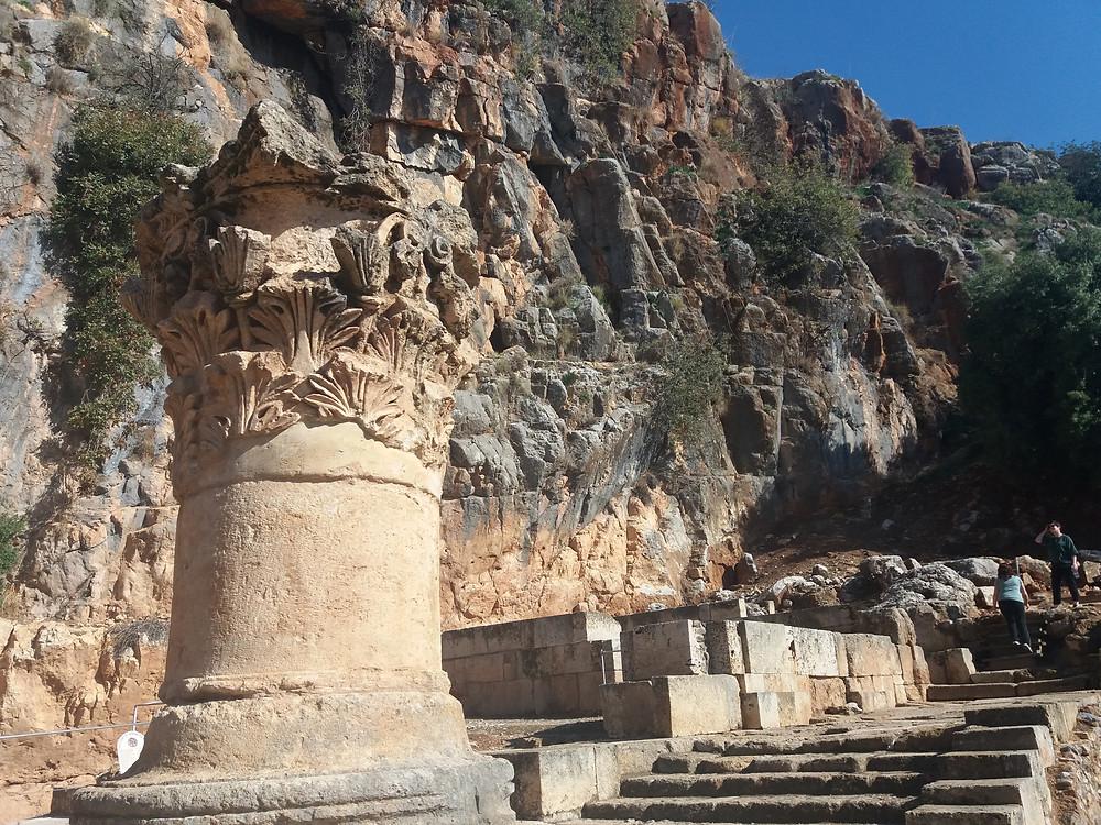 מקדש לאל פאן בניאס עליון-צלמה גילי מצא
